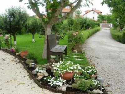 Posada hotel los trastolillos en cantabria selectahotels for Arboles frutales para jardin